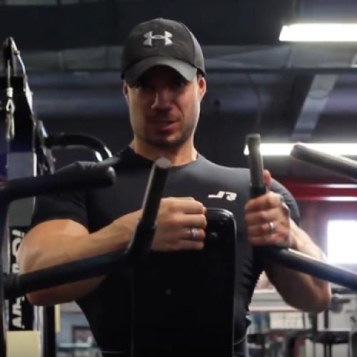 Rowing 1 bras à la machine convergente