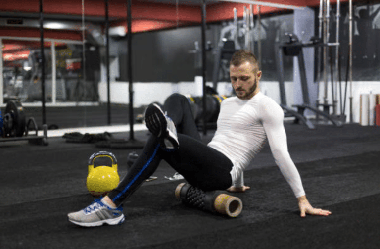 Le rouleau de massage en complément de la musculation
