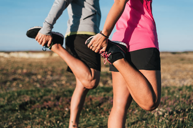 Comment s'étirer correctement les quadriceps