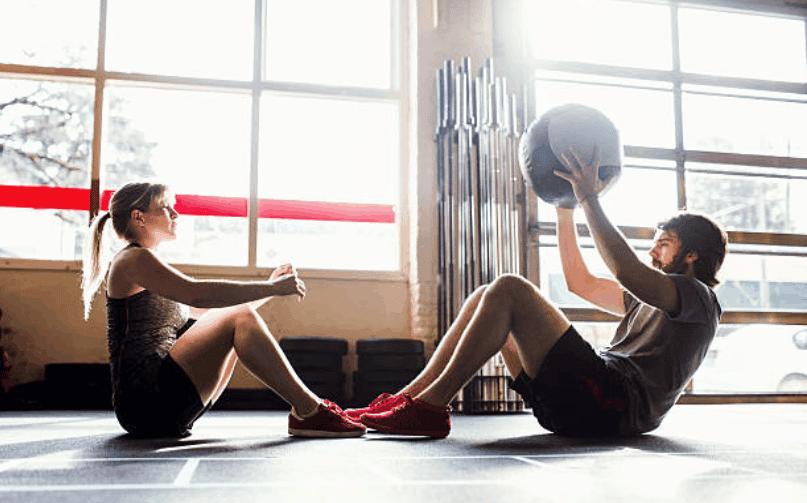 exercices abdos à deux